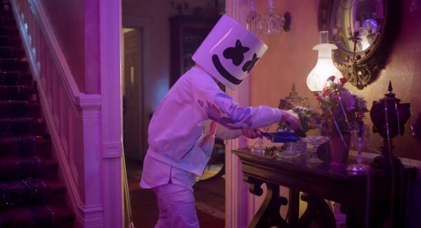 Marshmello_&_Anne-Marie_FRIENDS_(Music_Video)_OFFICIAL_FRIENDZONE_ANTHEM_[720p]