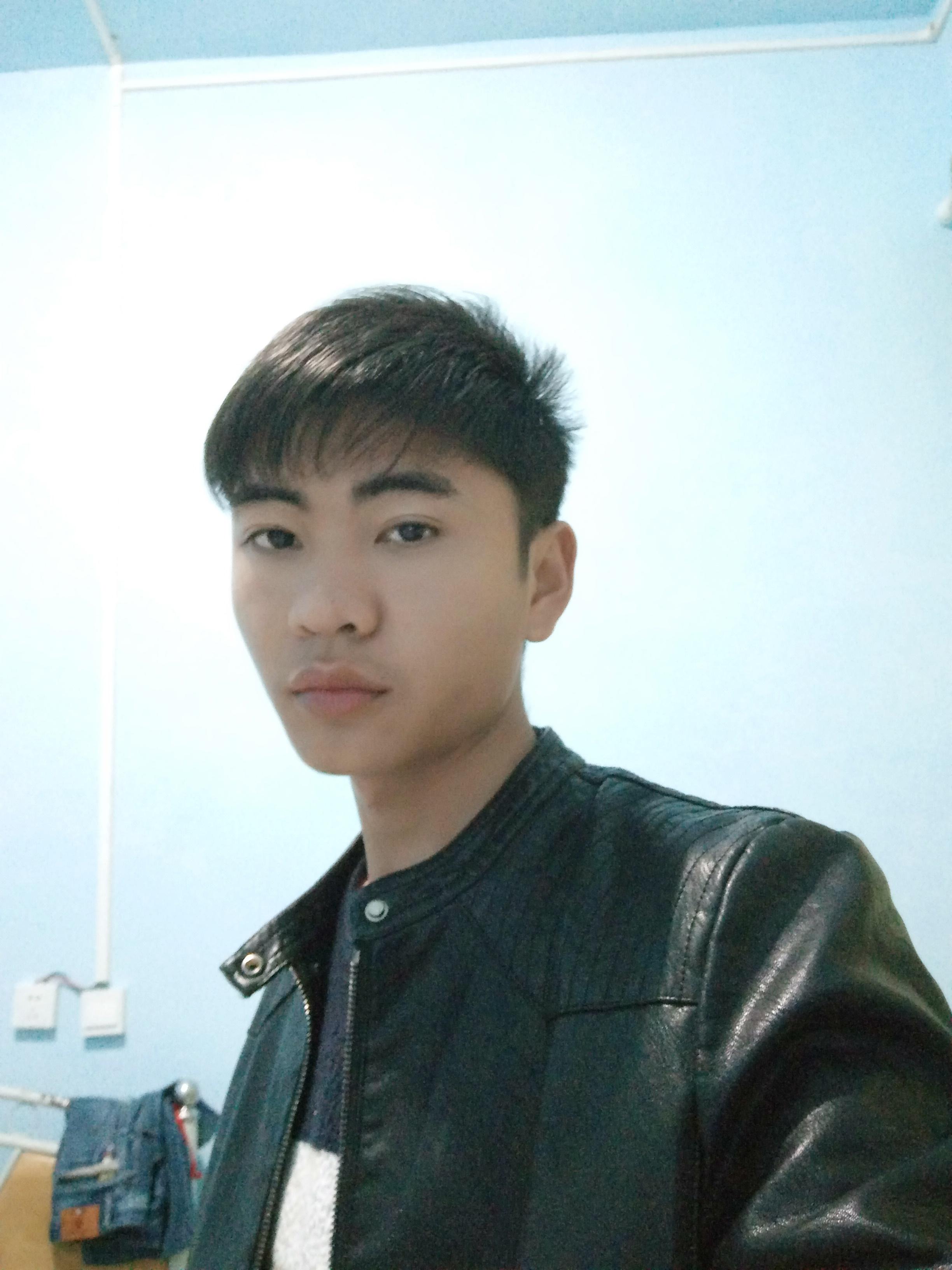 DJ天阳头像